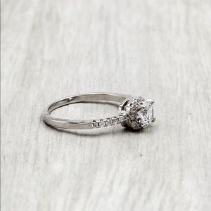 Ocean Fashion Jewelry - Fashion silver square crystal ring